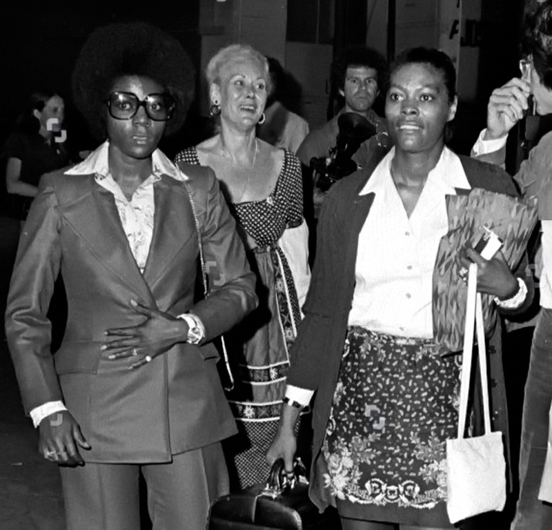 Dee Dee Warwick and Dionne Warwick backstage at the George McGovern Rally at Madison Square Garden (1972)