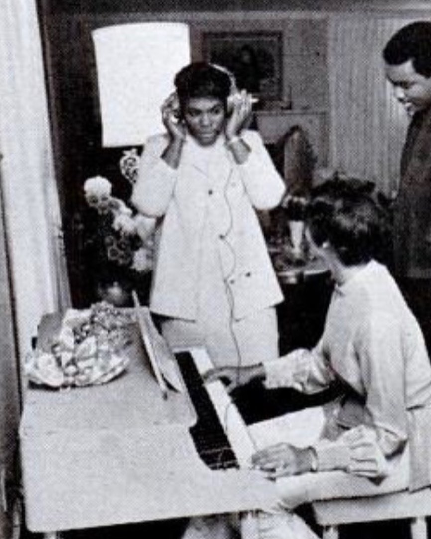 Dee Dee Warwick, Dionne and brother Mancel 'Pookie' Warrick