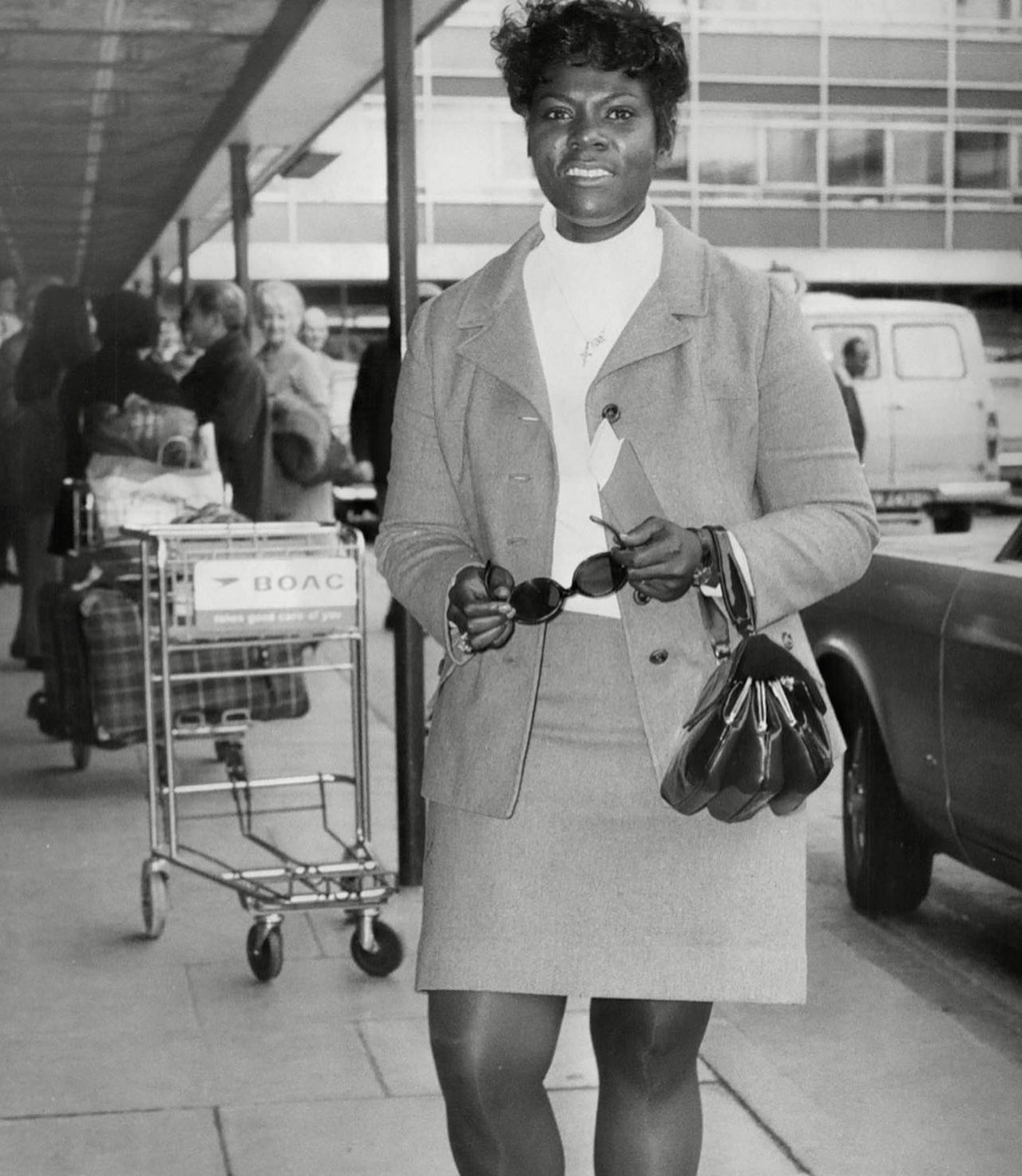 Dee Dee arriving in London for a two week tour of England (October 17, 1968)